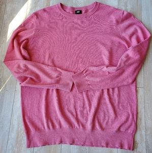 Pink H&M sweater in size XL